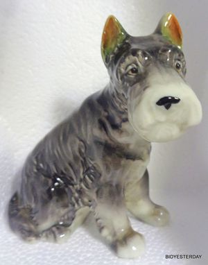 Vintage gray unmarked schnauzer dog figurine for Sale in Saginaw, MI