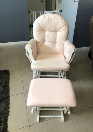 Glider and Ottoman for Sale in Lutz, FL