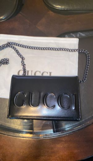 Gucci XL Embossed Chain Strap Bag for Sale in Maricopa, AZ