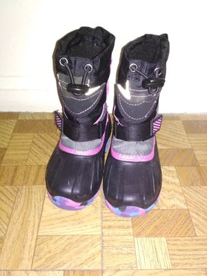 Toddler snow boots .6 to 7 size, Just opened. for Sale in King of Prussia, PA