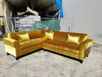 NEW 7X9FT VELVET GOLD FABRIC SECTIONAL COUCHES for Sale in San Diego,  CA