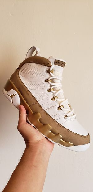 Bin 9s size 9.5 for Sale in Chicago, IL