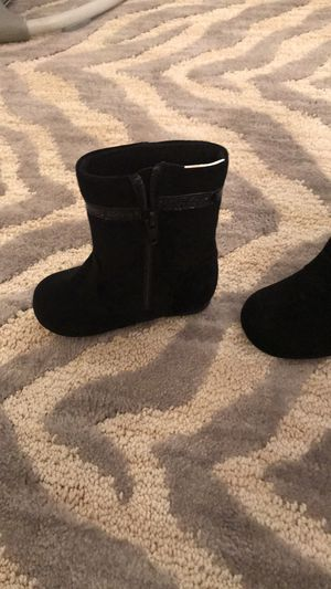Gymboree baby girl toddler boots new size 5 for Sale in Los Angeles, CA