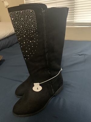 Girls boots size 4 (New) for Sale in Ceres, CA
