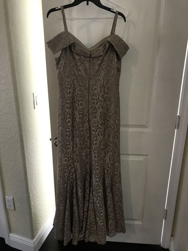 f5a4dceb2f6 Champagne dress from Dillard s size 16 for Sale in Miami
