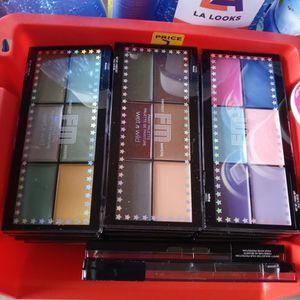 Eye shadow palette for Sale in La Puente, CA