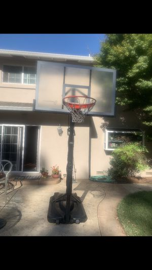 Basketball hoop for Sale in Newark, CA