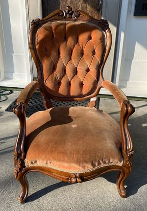 Antique carved back parlor chair for Sale in Tacoma, WA