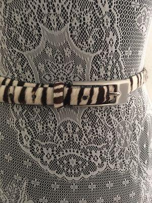 Genuine leather belt small for Sale in Miami, FL