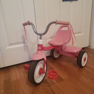 I have a tricycle for a girl in very good condition for Sale in Spartanburg, SC