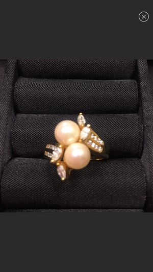 10kt yellow gold pearl and diamond ring for Sale in Aurora, CO