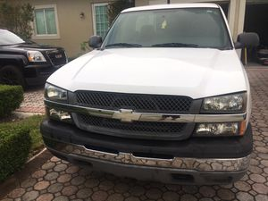 2005 Chevy Silverado for Sale in Miami, FL
