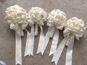 Art bridal and bridesmaid bouquet for Sale in Rockville, MD