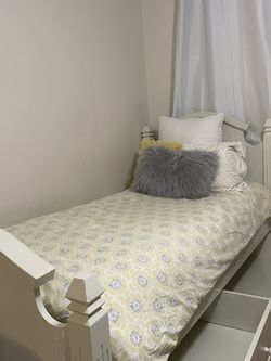 White Pottery Barn Twin Beds for Sale in Redmond,  WA