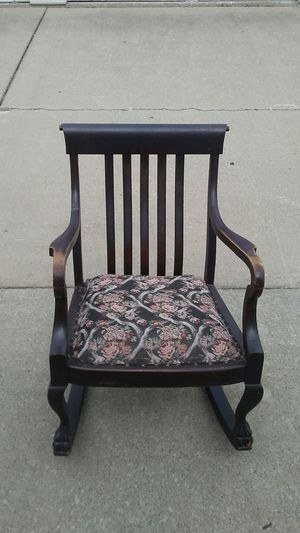 Antique Victorian Rocking Chair for Sale in Cleveland, OH