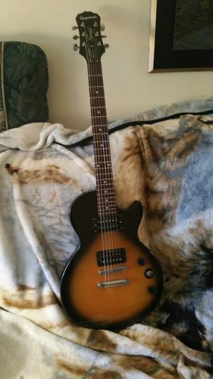 Epiphone les paul special ll for Sale in Biscoe, NC