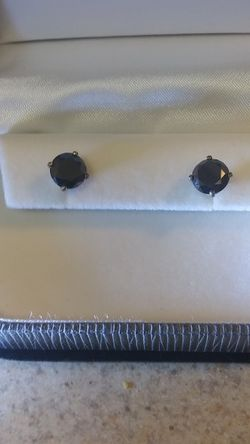 Black Diamond Earrings Carat 4.08 for Sale in Tacoma,  WA