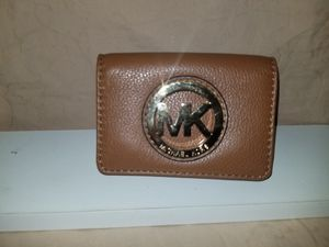 MICHAEL KORS TAN SMALL WALLET for Sale in San Diego, CA