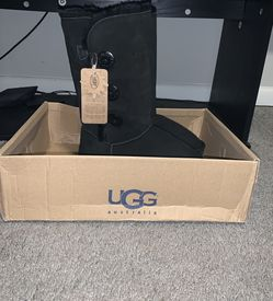 Women's UGG Boots Black Size 6 for Sale in Union City,  GA