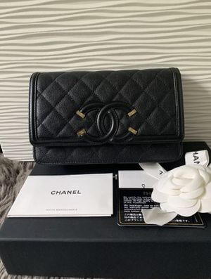 Authentic Chanel Lambskin Purse for Sale in Grand Prairie, TX