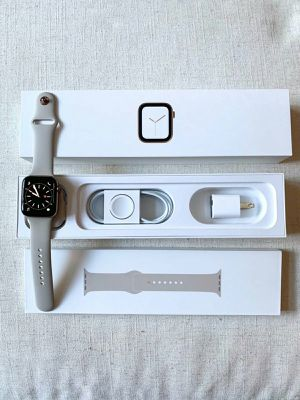 Apple Watch Series 4 44mm for Sale in Pine Bluff, AR