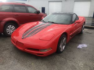 1998 Chevy corvette for Sale in Miami, FL