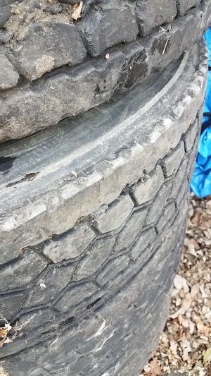 Good used tires for free 295 70 22 for Sale in Wheeling, IL