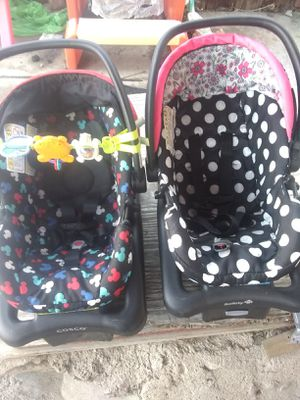 Mickey and Minnie mouse car seats for Sale in Pueblo, CO