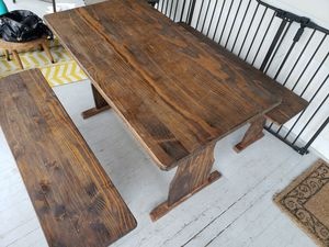 Small Breakfast Nook / Kitchen Table + Benches for Sale in Cleveland, OH