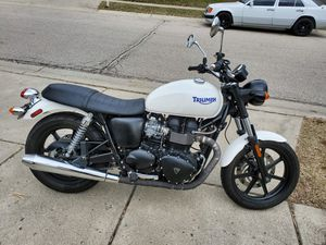 2011 Triumph Bonneville Motorcycle for Sale in Montgomery, OH