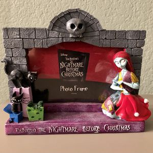 DISNEY Tim Burton's The Nightmare Before Christmas 3D picture frame with Sally for Sale in Corona, CA
