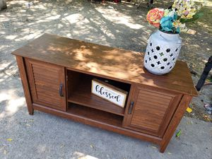 Console table/ cabinet for Sale in Red Oak, TX