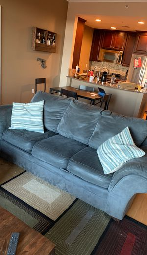 Couch w matching pillows for Sale in Arlington, VA
