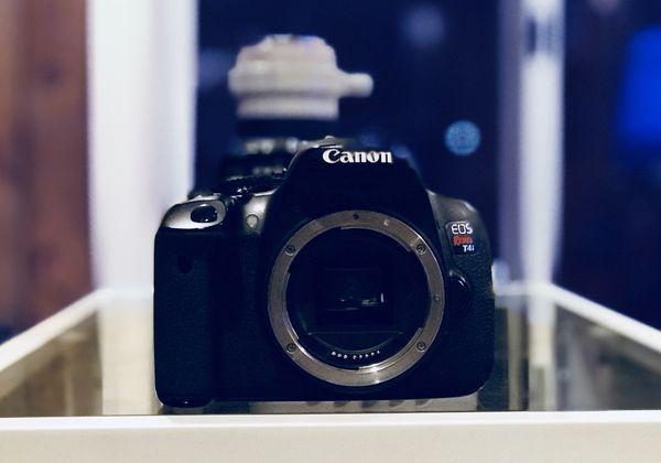 Canon Rebel T4i w/ Kit Lense