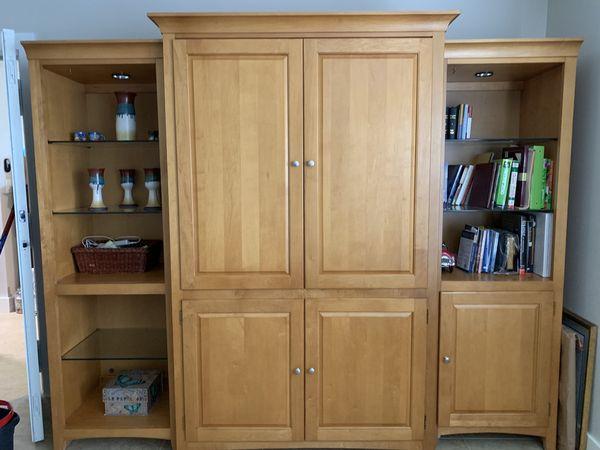 Entertainment book shelves storage unit