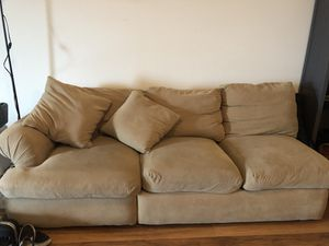 FREE medium size couch for Sale in Pacifica, CA