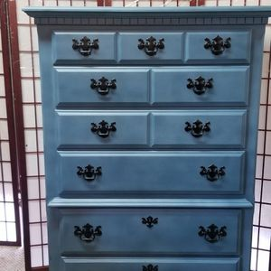 High boy Dresser In Lake Blue for Sale in Damascus, OR