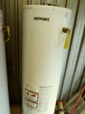 Hot point 40 gallon gas hot water heater with warranty for Sale in Southfield, MI