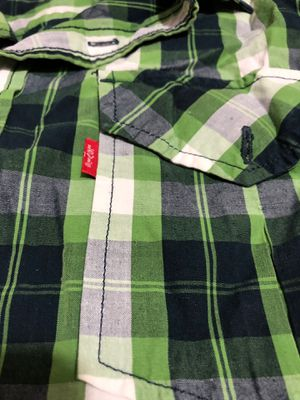 Green Levi's shirt for Sale in Mt. Juliet, TN