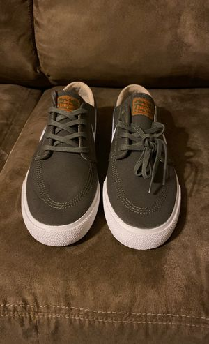 Nike SB Zoom Janoski CNVS RM for Sale in Bartlett, IL