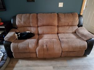 Well loved couch, still lots of life left, cat not included. Pick it up today, I'll make it 20 bucks! for Sale in Vancouver, WA