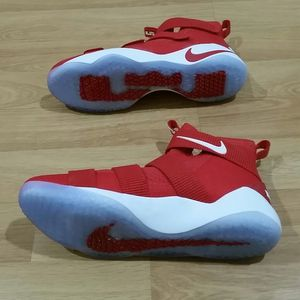 NIKE Lebron Soldier XI Red Basketball Shoes Sz 15 for Sale in Irvine, CA