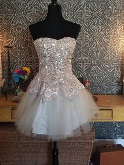 Vintage Poofy Short Tulle Dress Size 6 By Steppin' Out for Sale in Calabasas,  CA