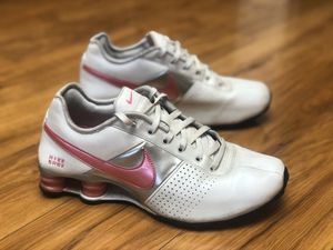 Nike Womens Shox Deliver - 317549-160 White / Sport Pink - Women's Size 8.5 These shoes are in fantastic shape for there age and the tread is almo for Sale in El Cajon, CA