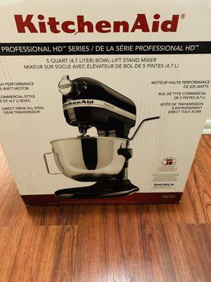 For sale kitchen aid mixer se uso un par de veces $250 for Sale in La Feria, TX