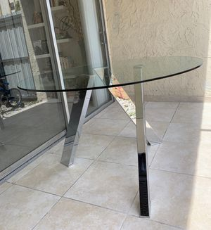 Dinning table for Sale in Hialeah, FL