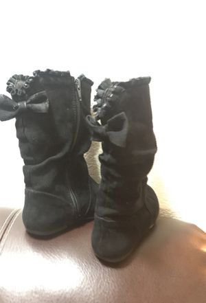 Size 9 black girl boots for Sale in Kennewick, WA