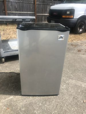 Stainless steel igloo refrigerator/ freezer works great for Sale in Keizer, OR