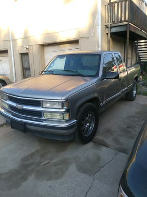 Chevy Silverado great work truck strong engine and transmission for Sale in Lithia Springs, GA
