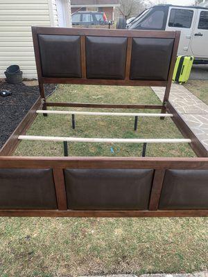 King sized bed for Sale in Willingboro, NJ